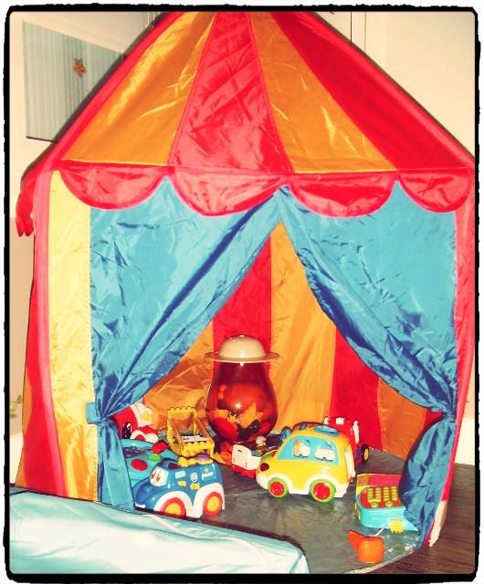 les jouets et le casse t te du nettoyage et rangement etc souris maman. Black Bedroom Furniture Sets. Home Design Ideas