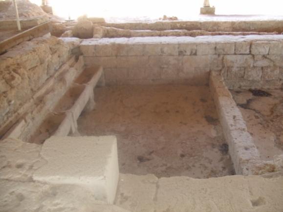 vestiges thermes en grèce némée