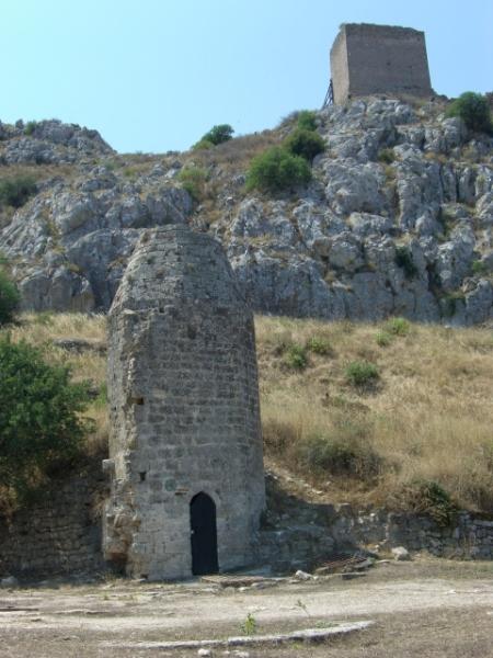 grèce ruine citerne