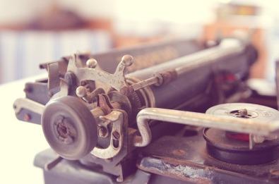 typewriter-338506_640