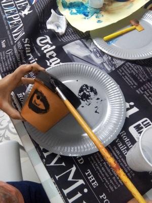 peindre sur terre cuite activite enfant