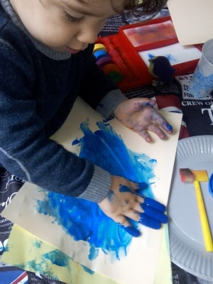 peinture à doigt activite petit enfat